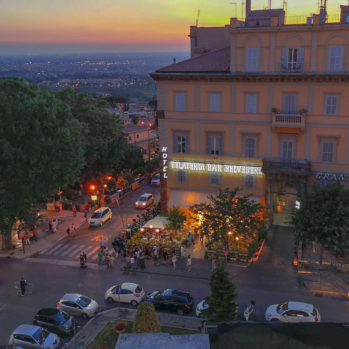 B-Café-Belvedere-a-Frascati-Aperitivo-Frascati-Colazione-Frascati-Cocktail-Frascati-Gelato-Frascati-Merenda-Frascati-Festa-Frascati-Pranzo-Frascati